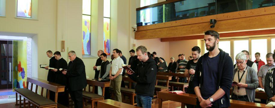 Seminaristen Leopoldinum beim Gebet April 2018_elisabeth fürst-7384